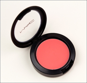 mac_cremeblendreview030